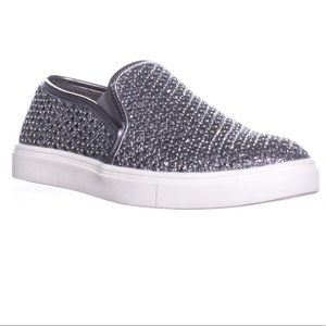 Eidyth by Material Girl sz 9 Pewter jewel sneaker